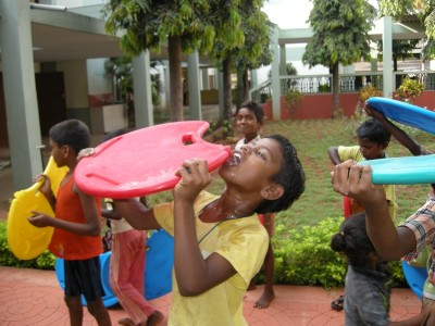 Drinking fresh water from the Lifeboard