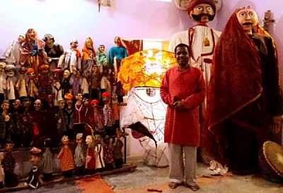 Ramnivas with puppets